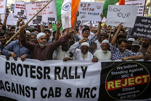 Протесты в Индии сильно ударили по Тадж-Махалу