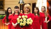 Девушки Kempinski оделись в красное