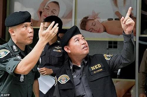 Бордели качают воду и угрожают Бангкоку
