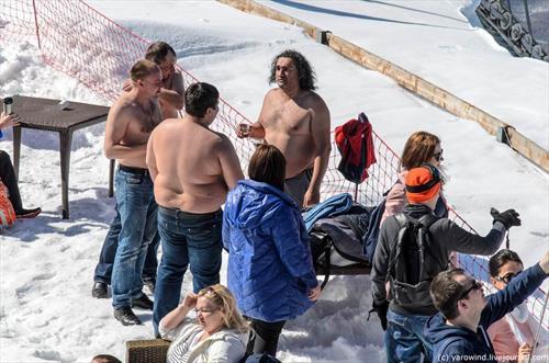 В новогодние каникулы россияне гораздо усерднее «налегли» на горнолыжку
