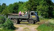 В Эстонии считают необходимым перевозить туристов на грузовиках