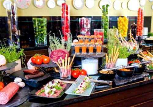 Сезон воскресных бранчей вновь открыт - в ресторане «Балчуг Гриль»