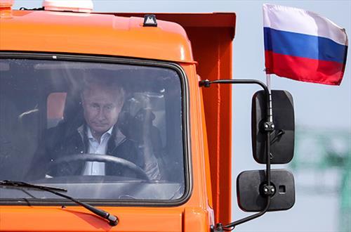 Автолюбители на Крымском мосту побьют рекорд Президента