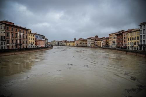 Не только Венеция - погода беснуется и  в других частях Италии