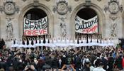 Парижская Опера потеряла за месяц 12 млн евро
