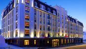 Отель Courtyard by Marriott заблокирован вооруженными людьми